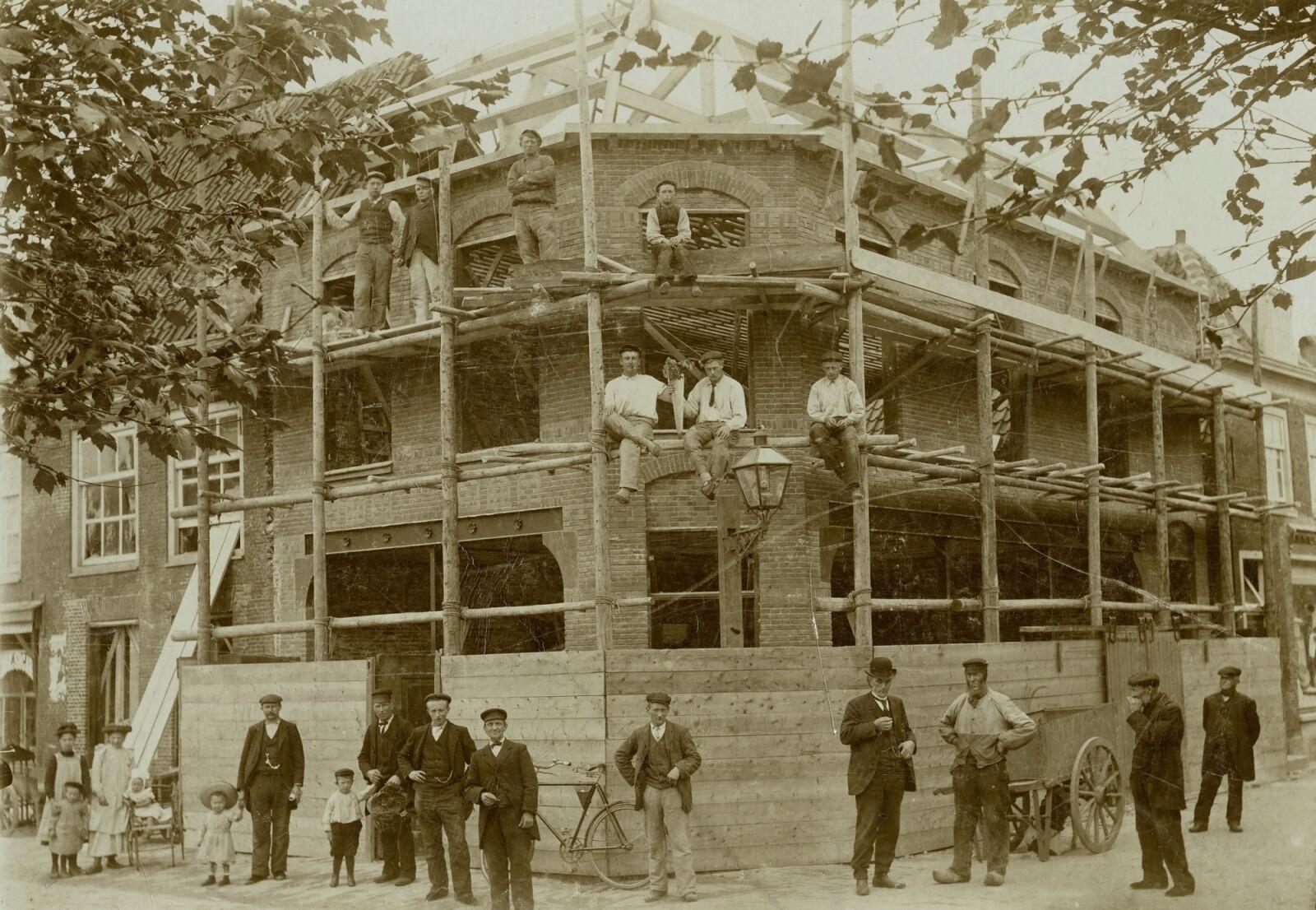 lf-1906-8-bouw-pand-zwennes-in-1906-tiff-pix-2000.jpg